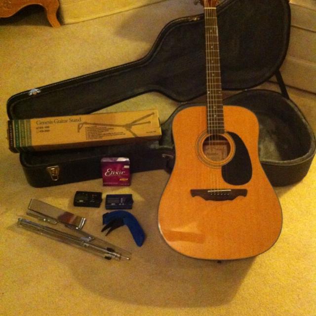 گیتار ٬ آموزشگاه موسیقی ٬ کلاس آموزش گیتار ٬ آموزشگاه موسیقی شمال تهران