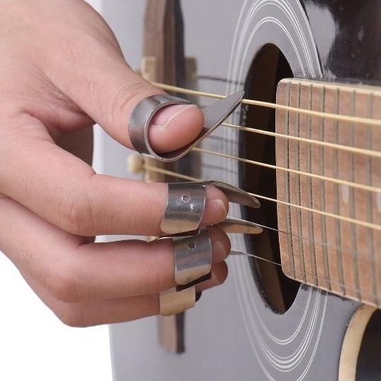 پیک گیتار ٬ آموزشگاه موسیقی ٬ کلاس آموزش گیتار ٬ آموزشگاه موسیقی شمال تهران