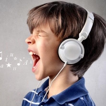 خوانندگی صحیح ٬ آموزشگاه خوانندگی در تهران ٬ کلاس موسیقی ٬ آموزشگاه موسیقی