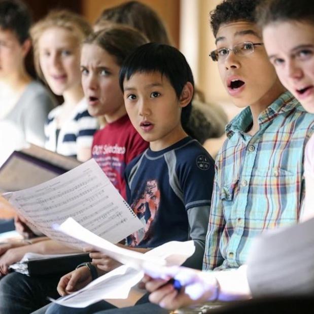 کلاس آموزش خوانندگی ٬ آموزشگاه موسیقی شمال تهران ٬ آموزشگاه موسیقی خوانندگی
