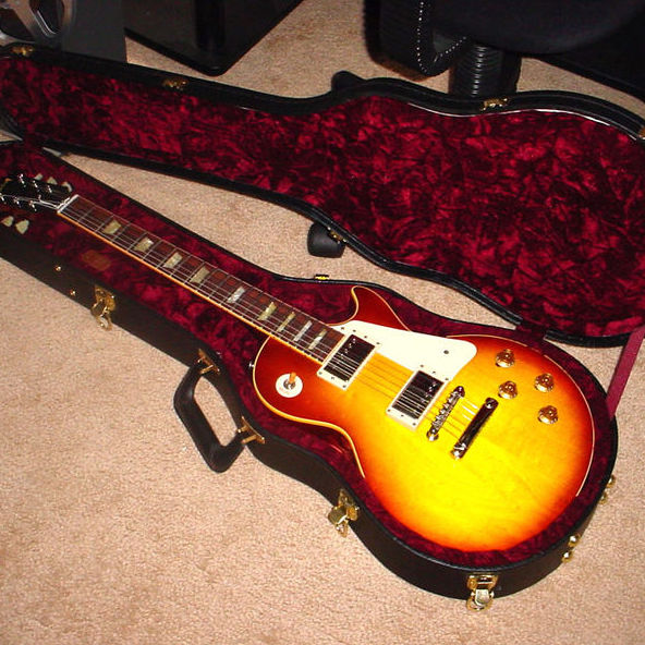گیتار الکتریک گیبسون لس پال - آموزشگاه موسیقی - کلاس آموزش گیتار