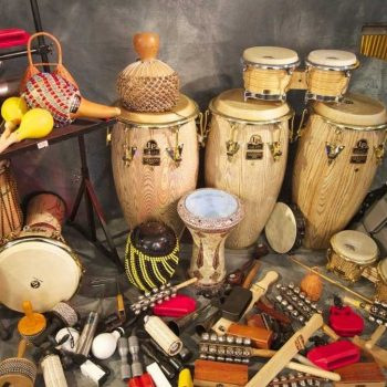 سازهای کوبه ای ٬ آموزشگاه موسیقی ٬ کلاس آموزش تنبک ٬ کلاس آموزش درامز